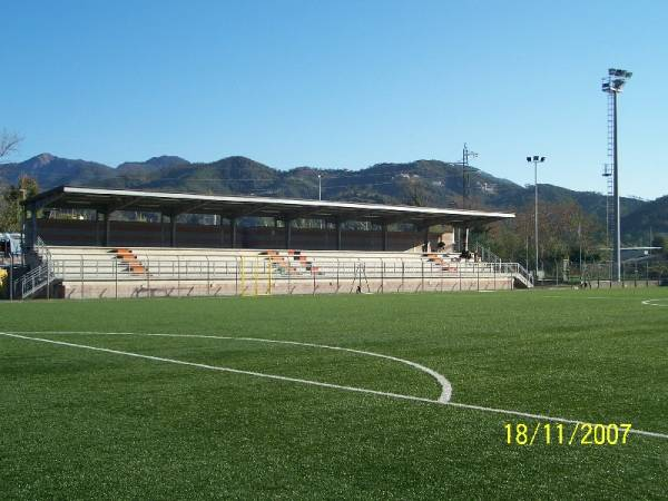 Campo sportivo andersen sestri levante via modena 1 sestri for Campo sportivo seminterrato